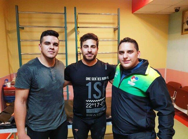 تمرین وزنه بردار کلمبیایی در کنار تیم ملی ایران