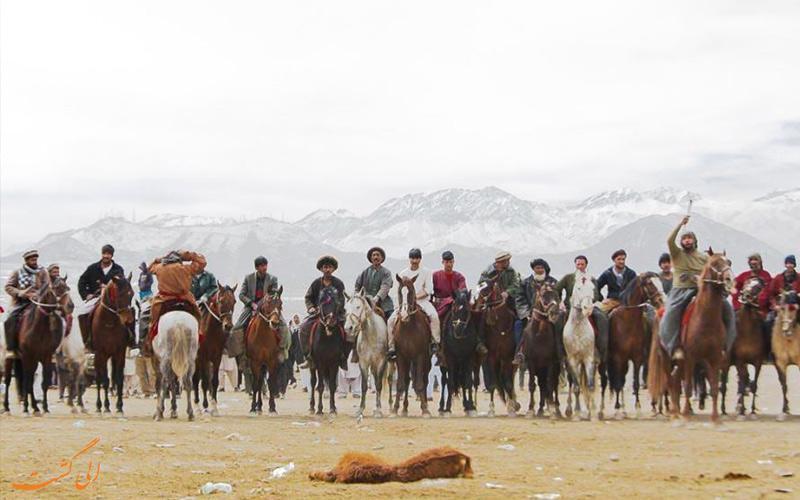 مراسم بزکشی یا مسابقه کوکپر، جاذبه ای در بین مردم افغانستان!