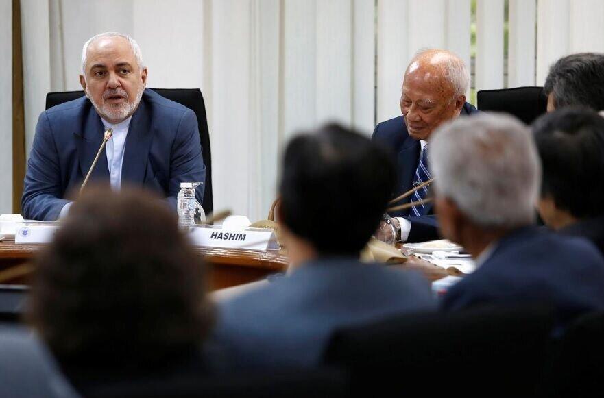 ظریف: آمریکا برای مذاکره باید بلیت بازگشت به برجام را خریداری کند