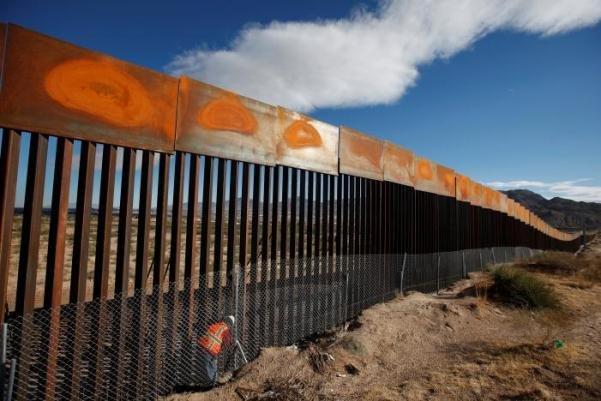 مکزیک: برای احداث دیوار مرزی با آمریکا پولی پرداخت نمی کنیم