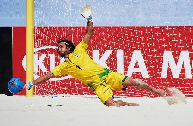 پیمان حسینی در بین 10 اسطوره فوتبال ساحلی