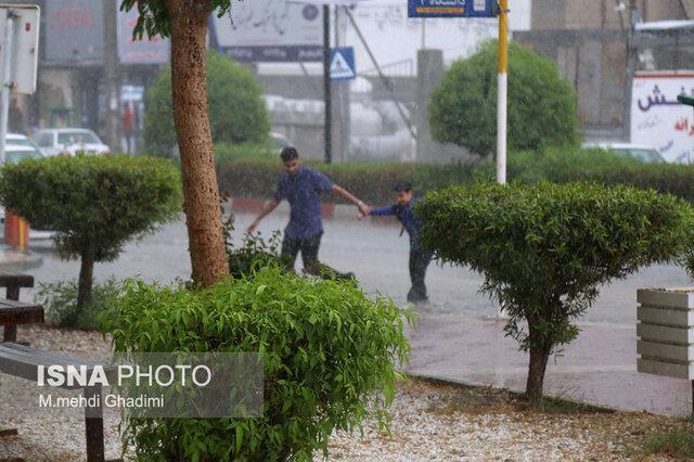 مدارس بندرعباس یکشنبه باز است، درصورت شدت دریافت بارش ها بامداد فردا اطلاع رسانی می شود