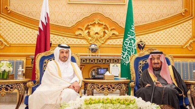 آغوش شاه سعودی برای نخست وزیر قطر، عکس