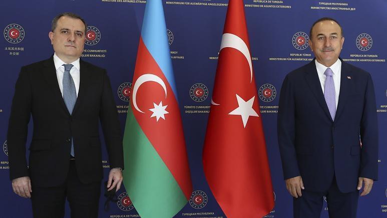 تمام قد در کنار آذربایجان می ایستیم