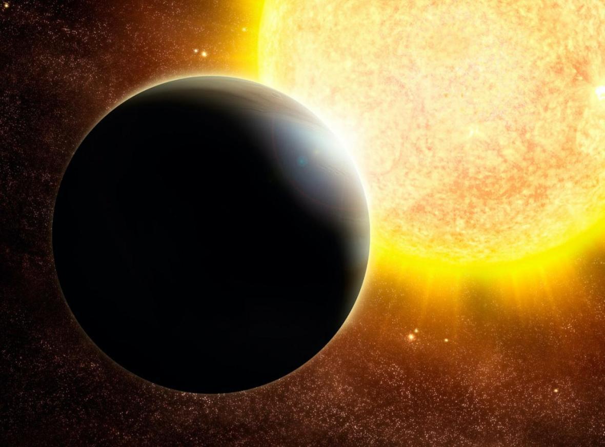 سیاره ای که دور جنازه خورشیدش می شود