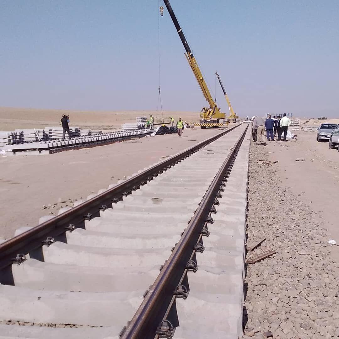 خبرنگاران مدیرعامل راه آهن: مصمم هستیم به خودکفایی واقعی در صنعت ریلی برسیم