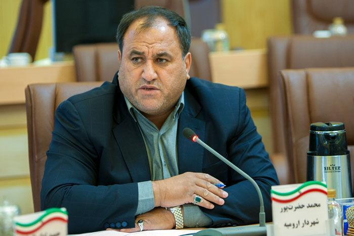 خبرنگاران شهردار ارومیه: بی اعتماد کردن مردم به مدیریت شهری غیرقابل گذشت است