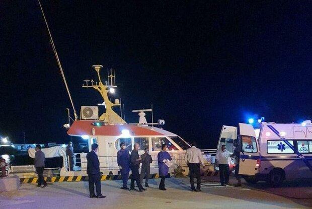 4 مصدوم حادثه آتش سوزی پتروشیمی خارگ به گناوه اعزام شدند