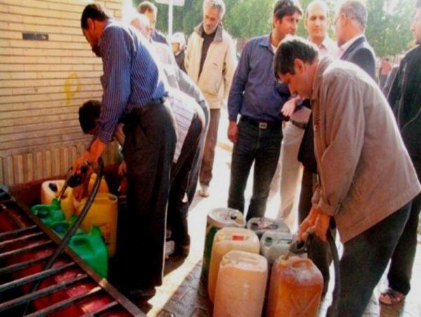 خبرنگاران هفت میلیون لیتر مواد سوختی بین روستاییان بروجرد توزیع شد