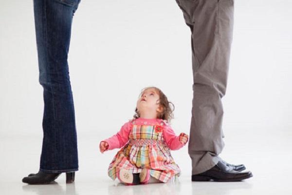 در زندگی های تک والد، بچه ها و والدین با چه چالش هایی روبه رو هستند؟