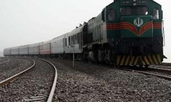 طوفان شن، قطار زاهدان ـ کرمان را از ریل خارج کرد، مسافران در سلامت کاملند