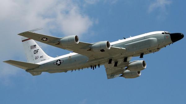 جلوگیری از جاسوسی هوایی آمریکا از سوی جنگنده روسیه