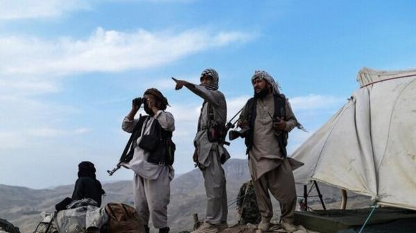 سخنگوی طالبان: دولت انتقالی را نمی پذیریم